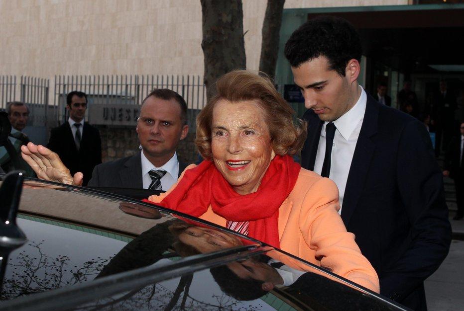 A murit cea mai bogată femeie din lume. Proprietara companiei L'Oréal avea 94 de ani