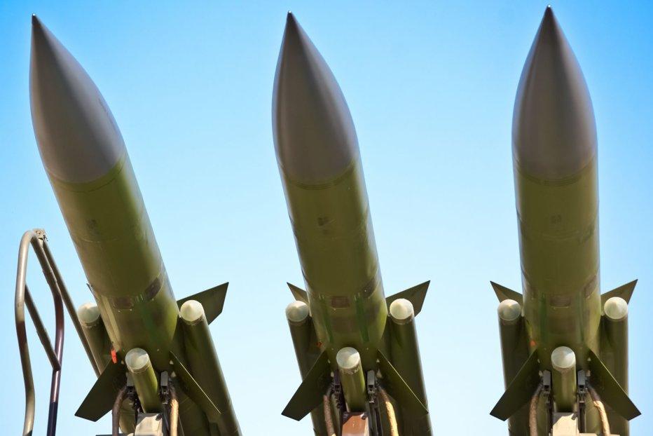 După Coreea de Nord, şi Iranul anunţă efectuarea cu succes a unui test balistic, sfidându-l pe Donald Trump