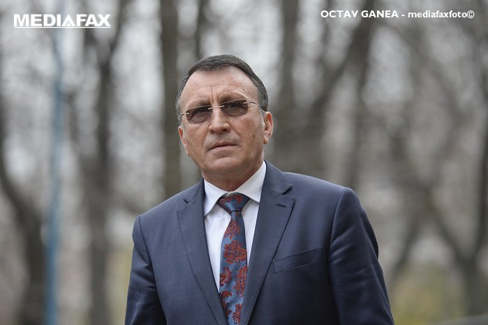 Senator PSD: Le voi ruga pe Plumb şi Shhaideh să nu îşi dea demisia