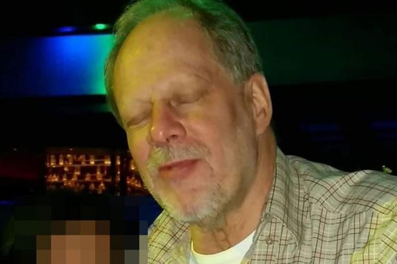 Prima fotografie cu atacatorul din Las Vegas. Cine este omul care a făcut aproape 300 de victime