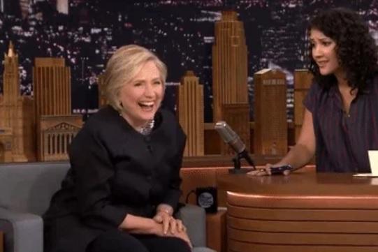 Surpriza pe care Hillary Clinton a avut-o în timpul unui interviu. Mesajele care au lăsat-o fără cuvinte. VIDEO