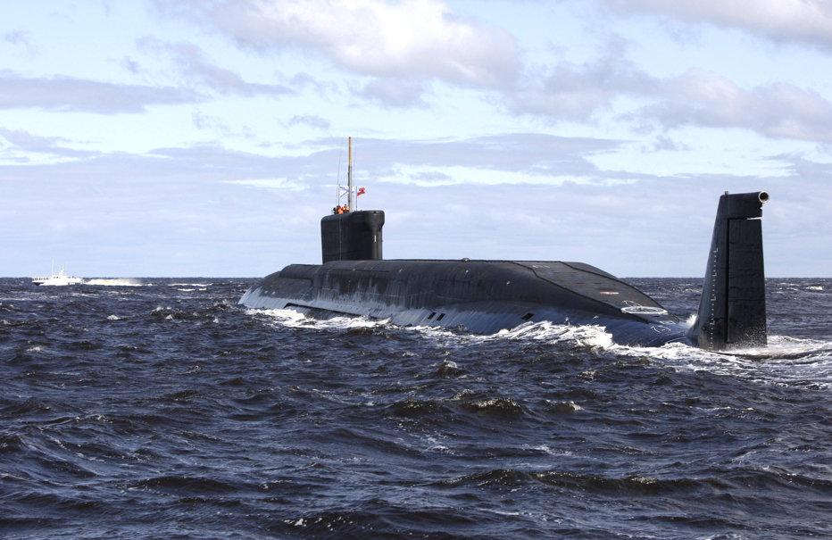 Submarine militare ale Flotei ruse din Marea Neagră au lansat zece rachete spre teroriştii de la ISIS