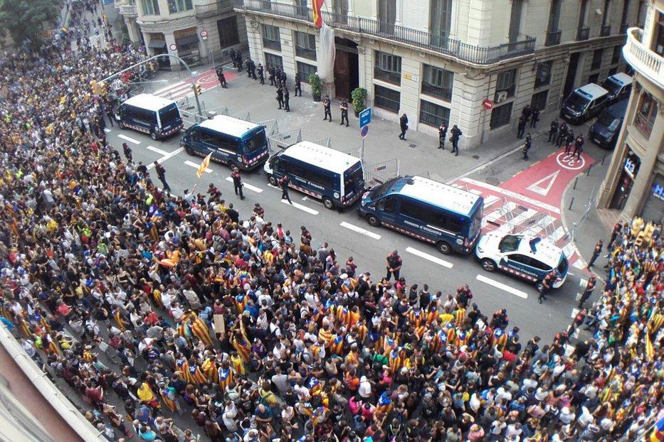 """Guvernul de la Madrid, soluţie disperată în cazul declarării independenţei Cataloniei: """"Vom declanşa articolul 155"""""""