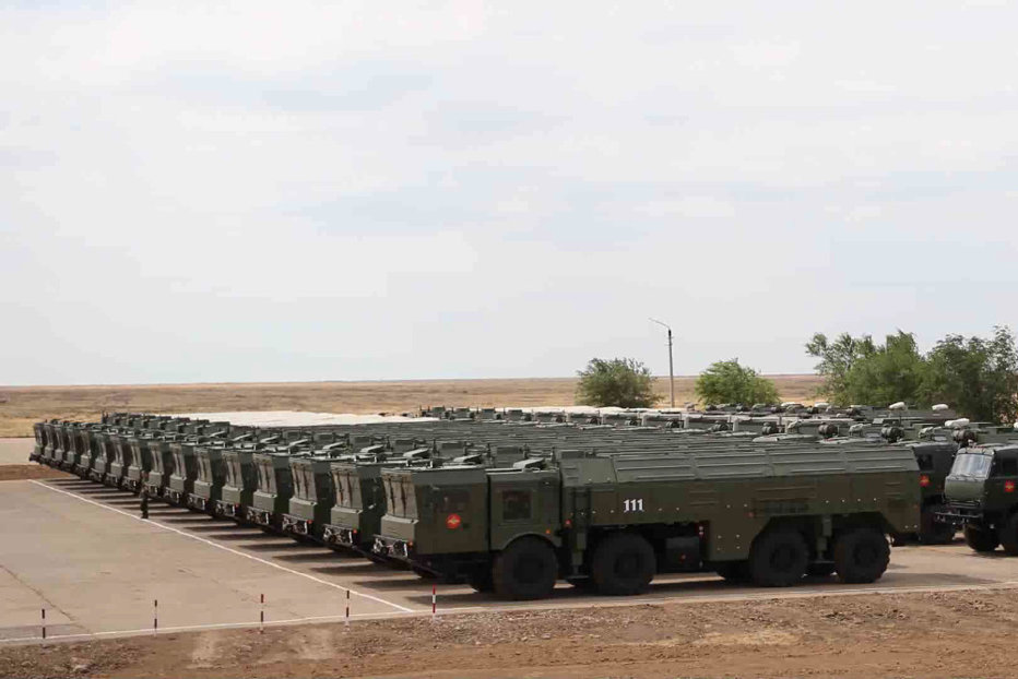 """Rusia trimite şi mai multe sisteme de rachete Iskander la graniţa cu NATO şi ameninţă: """"Vom lua măsuri de retorsiune"""