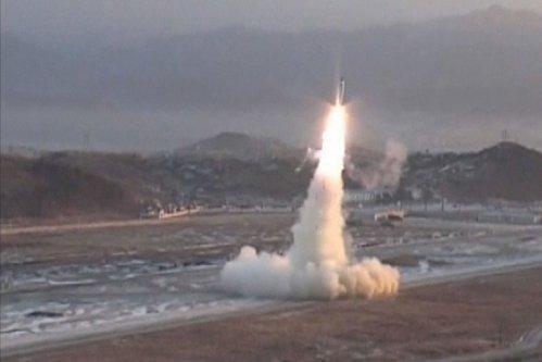 """Arma cu care Coreea de Sud vrea să îngenuncheze Coreea de Nord. Puterea secretă a """"blackout bomb"""""""