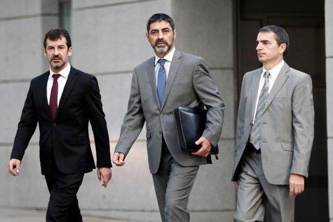 """Şeful Poliţiei din Catalonia, sub control judiciar. Procurorii îl acuză că a coordonat valul de """"rebeliune"""