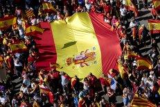 Pentru prima dată în istoria post-Franco, Guvernul spaniol anunţă că a ajuns la un acord cu opoziţia şi declanşează articolul 155. Alegeri în Catalonia în ianuarie