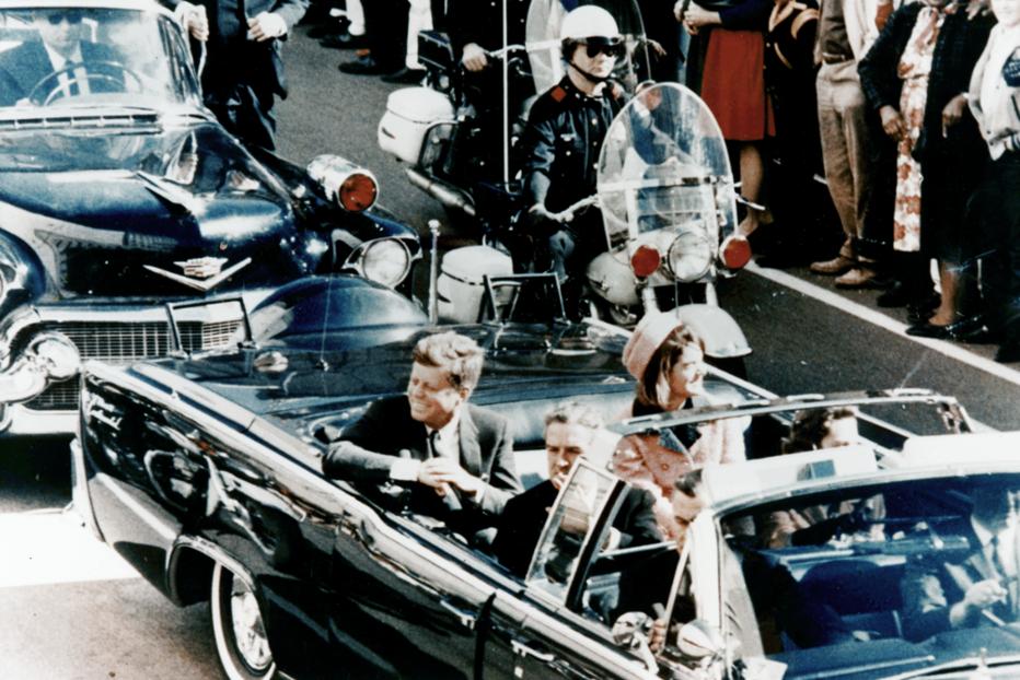 Donald Trump va declasifica documente despre asasinarea lui John F. Kennedy