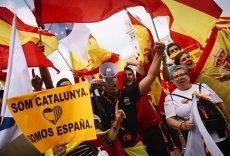 """Apelul guvernului Spaniei, la o zi de la decizia de suspendare a autonomiei Cataloniei. Ministru: """"Multe imagini cu violenţele de la referendum s-au dovedit false"""""""