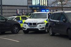 Luare de ostatici într-un centru comercial din Marea Britanie. Sute de poliţişti au înconjurat mall-ul. Poliţia spune că nu este atac terorist. VIDEO