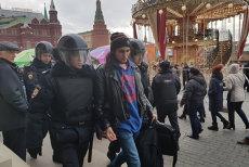 Sute de persoane, reţinute de serviciile de securitate în Moscova. Oamenii, suspectaţi că plănuiau să protesteze împotriva lui Putin. GALERIE FOTO şi VIDEO