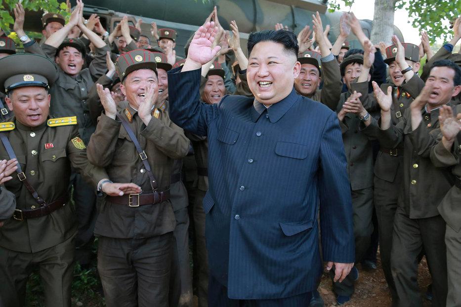 """Trump: """"De ce m-ar insulta Kim Jong Un numindu-mă bătrân, când eu niciodată nu l-am făcut pitic şi gras?"""""""