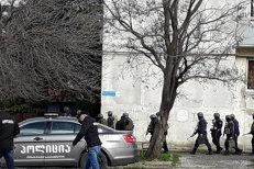 Cel puţin trei islamişti, ucişi în urma unei operaţiuni antiteroriste de amploare în capitala Georgiei. Un membru al forţelor de ordine a murit
