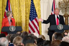 Schimb dur de replici  între Donald Trump şi Theresa May. Preşedintele american atacă premierul britanic după criticile primite referitor la postările pe Twitter