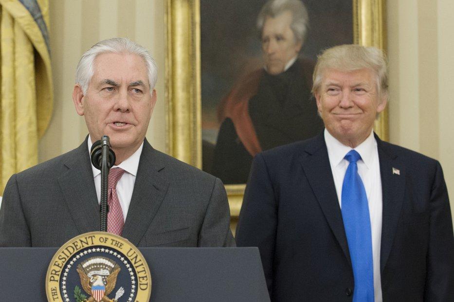 Casa Albă: Rex Tillerson rămâne secretar de Stat. Deocamdată