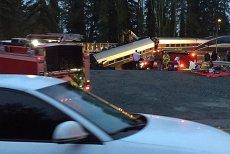 Un tren de persoane a deraiat şi a căzut de pe un pod din statul Washington. Cel puţin trei oameni au murit şi alţi 70 sunt răniţi. VIDEO