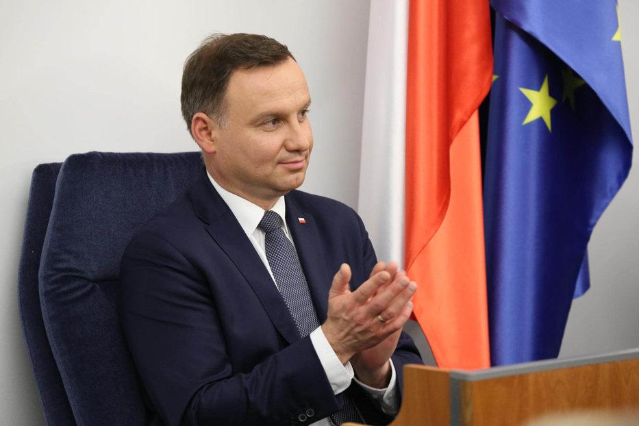 Ce riscă Polonia, după ce preşedintele Andrzej Duda promulgă două legi în domeniul justiţiei dur criticate de UE