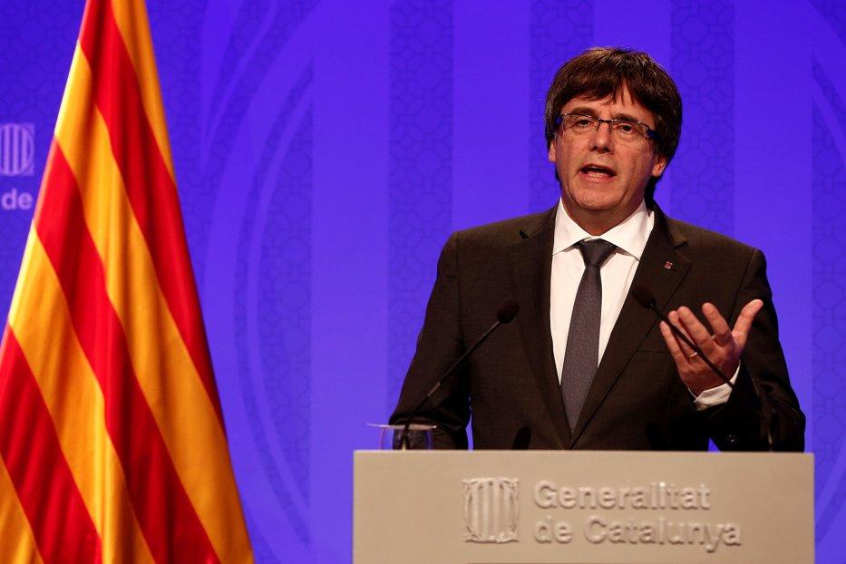 După victoria separatiştilor la alegerile din 21 decembrie, Carles Puigdemont îl pune la colţ pe Mariano Rajoy. Cerinţa fostului lider catalan