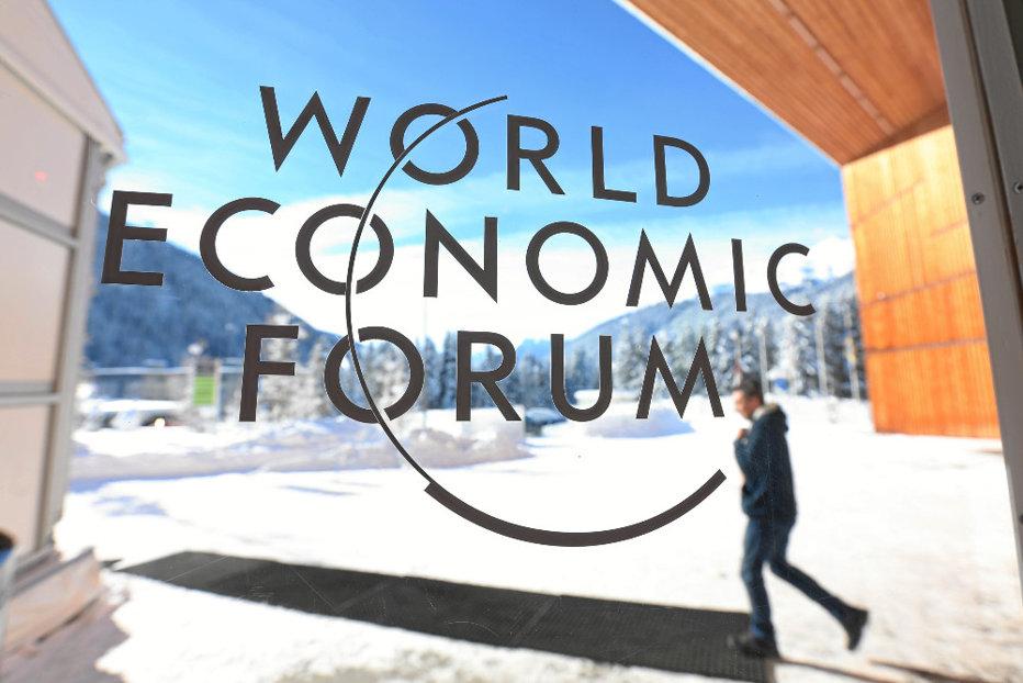 """Forumul Economic Mondial de la Davos, prilej pentru avertismente tranşante. Soros: """"America riscă războiul nuclear"""". Trump: """"Nu putem avea un comerţ liber, pentru că unele ţări profită de sistem"""""""