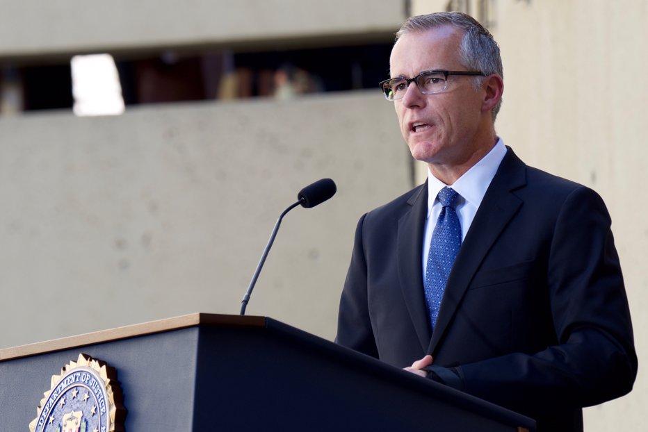 Andrew McCabe, directorul adjunct al FBI, a demisionat, dar rămâne angajat până iese la pensie