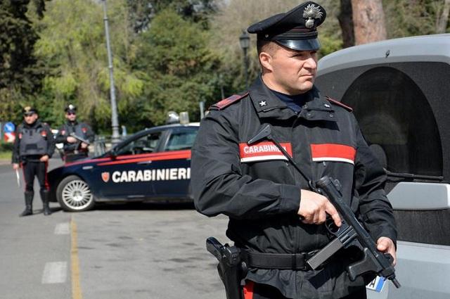 Ce au descoperit poliţiştii în casa bărbatului care a împuşcat şase imigranţi în oraşul italian Macerata