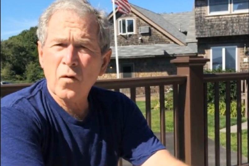 """Bush: """"Putin ştie să găsească şi să exploateze slăbiciunile"""". Fostul preşedinte american îl critică şi pe Trump"""