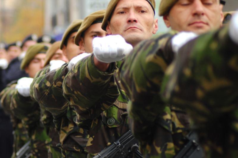 """Un stat european reintroduce armata obligatorie. """"Tinerii trebuie să aibă parte de o experienţă militară directă"""""""