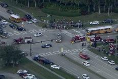 Carnagiu la un liceu din SUA. Cel puţin 17 morţi după ce un fost elev a deschis focul. VIDEO UPDATE