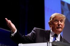 Fostul strateg al lui Trump, audiat în ancheta privind contactele preşedintelui cu Kremlinul