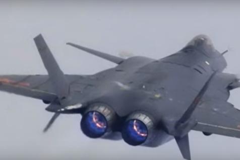 Teama americanilor s-a adeverit. Chinezii şi-au prezentat noul avion invizibil. A intrat deja în serviciul armatei