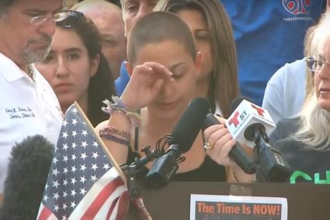 O elevă care a supravieţuit atacului din Florida îl pune la zid pe Donald Trump. Discursul emoţionant al tinerei aduce în prim-plan o problemă gravă a SUA