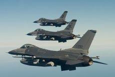 Un avion de vânătoare american F-16 a aruncat două rezervoare de combustibil într-un lac din Japonia, lângă bărcile unor pescari