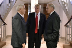 Consilierii John Kelly şi Herbert McMaster ar putea demisiona din cauza disputelor continue cu Donald Trump