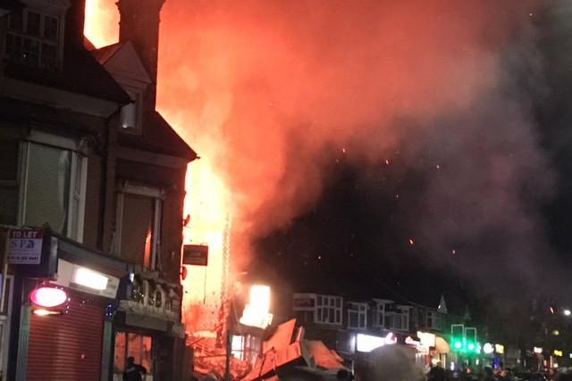 Poliţia anunţă primele arestări după explozia din oraşul britanic Leicester