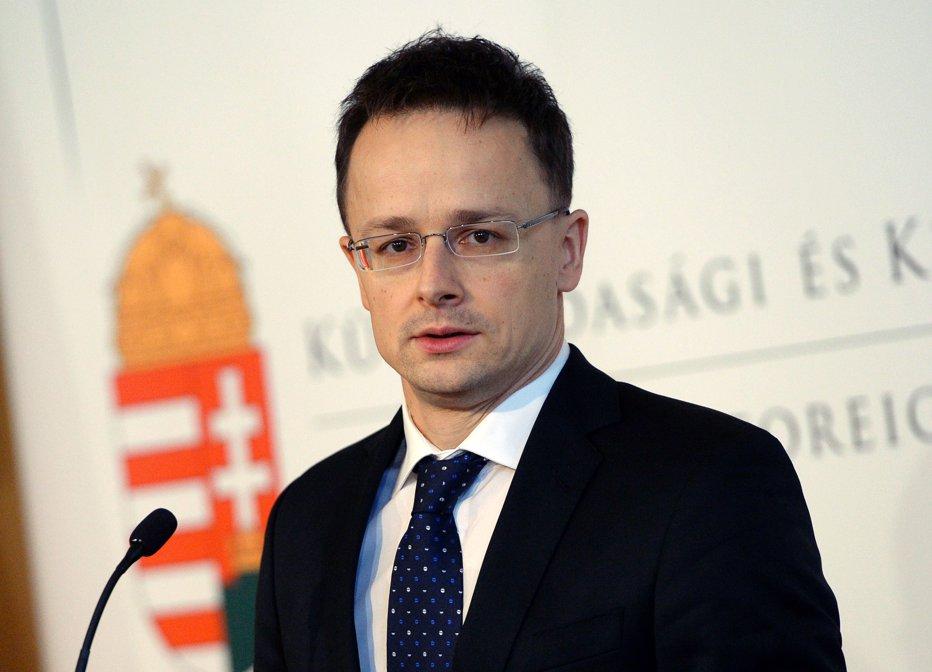 Ministrul ungar de Externe: Migraţia este periculoasă şi prezintă riscuri grave de securitate naţională