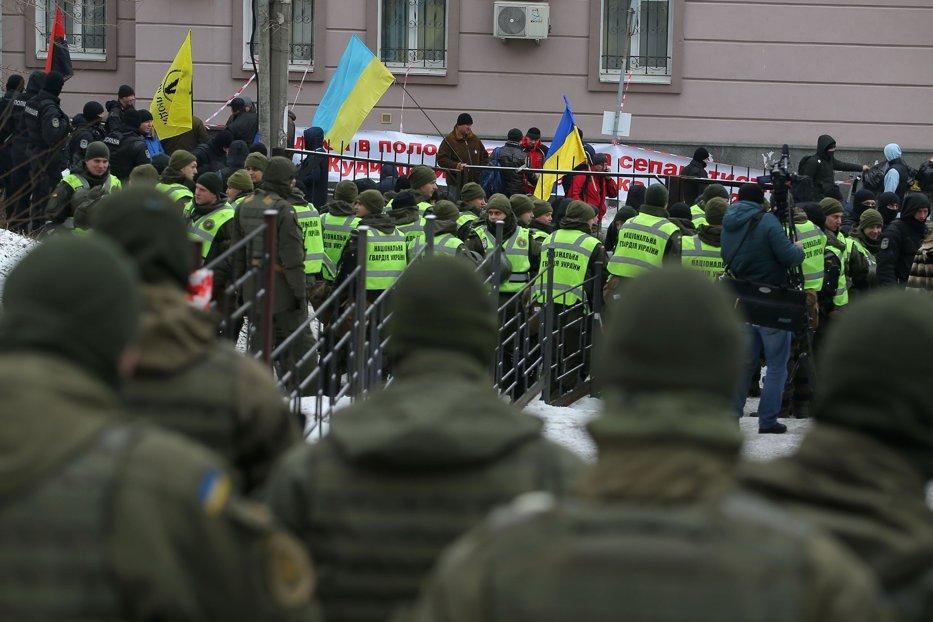 Proteste violente la Kiev. Cel puţin 10 răniţi în confruntările  dintre susţinătorii lui Saakaşvili şi forţele de ordine