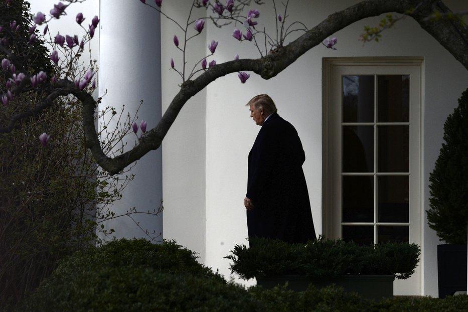 ALERTĂ la Casa Albă, după ce un bărbat s-a sinucis în imediata apropiere a instituţiei prezidenţiale