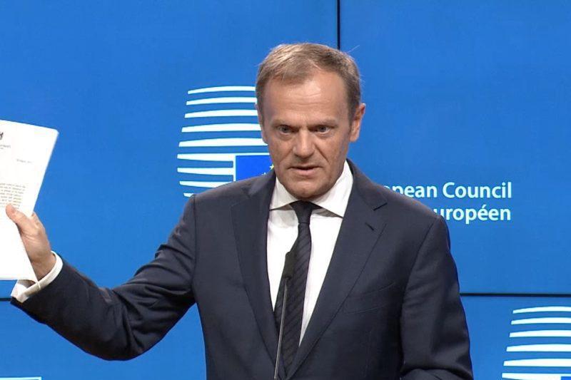 Donald Tusk anunţă data la care va prezenta proiectul acordului comercial cu Marea Britanie