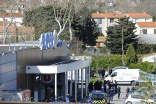 Ce au descoperit poliţiştii în supermarketul din Trebes. Teroristul pregătea un carnagiu