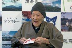Un japonez de 112 ani a devenit cel mai bătrân bărbat din lume. Cine este omul mai în vârstă chiar şi decât teoria relativităţii a lui Einstein