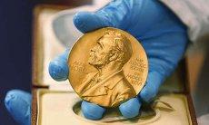 Scandal sexual la Academia Nobel. Şefa secţiei de literatură a demisionat
