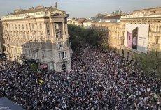 Proteste uriaşe în Budapesta: Zeci de mii de oameni contestă majoritatea parlamentară a partidului lui Viktor Orban. VIDEO impresionant cu protestatarii