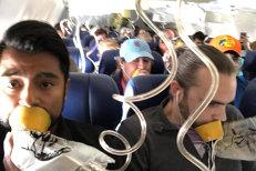 Zbor de coşmar, în SUA: Motorul unui avion de pasageri a explodat în aer. Un pasager a murit, şi peste zece sunt răniţi. Unul dintre ei, în stare gravă. VIDEO şi GALERIE FOTO