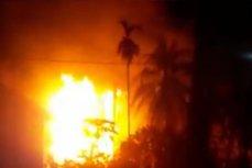 """Incendiu devastator la o sondă din Indonezia, soldat cu 10 morţi şi zeci de răniţi. Autorităţile: """"Suspectăm că a fost forată de comunitate şi că cineva fuma în zonă"""""""