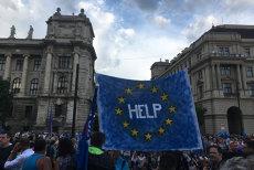 """Mii de oameni au protestat la Budapesta, denunţând stilul autoritarist al lui Viktor Orban: """"Nu este nici creştin, nici democrat"""