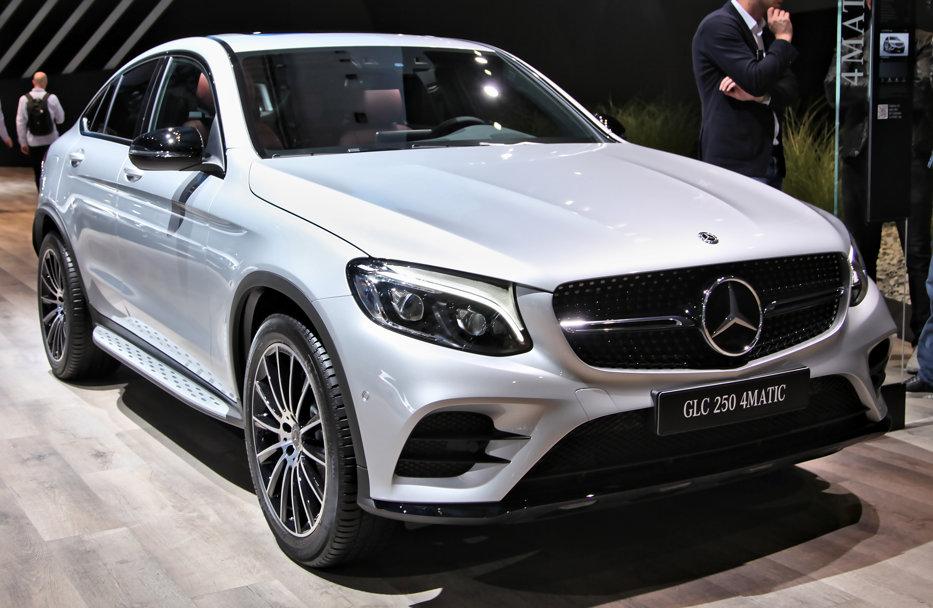 Pagubă de 100 de milioane de euro pentru Mercedes-Benz, după ce ministrul Transporturilor a obligat compania să recheme în service peste 770.000 de maşini
