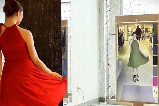 Zara, investiţii incredibile în lupta vânzărilor cu Amazon. Magazinul în care găseşti, deja, oglinda cu hologramă