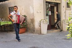 Guvernul Italiei, decizie care scandalizează Europa: Facem recensământ în rândul comunităţilor de romi. Romii din străinătate vor fi EXPULZAŢI