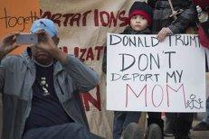 Donald Trump adoptă măsuri pentru evitarea separării copiilor de părinţii imigranţi