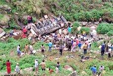 Accident autobuz prăbuşire prăpastie Uttarakhand India 47 morţi